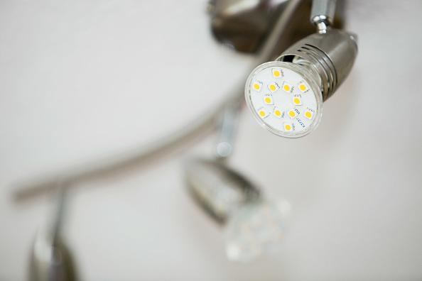 Light Fixture「A light fitting with the latest range of energy saving lights bulbs」:写真・画像(13)[壁紙.com]