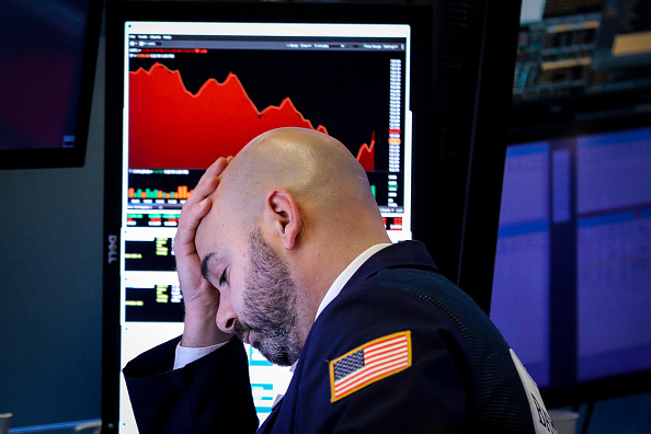 Trader「Stocks Fall Sharply As IMF Issues Reduced Forecast For Economic Growth In 2019」:写真・画像(2)[壁紙.com]