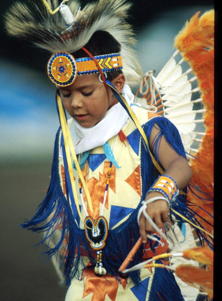 J Pat Carter「Child Wearing Period Native American Clothing Stands July 8 1996 In Pawnee Ok The Pa」:写真・画像(7)[壁紙.com]