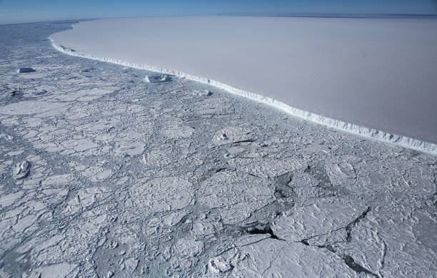 Bestpix「NASA's Operation IceBridge Studies Ice Loss In Antarctica」:写真・画像(4)[壁紙.com]