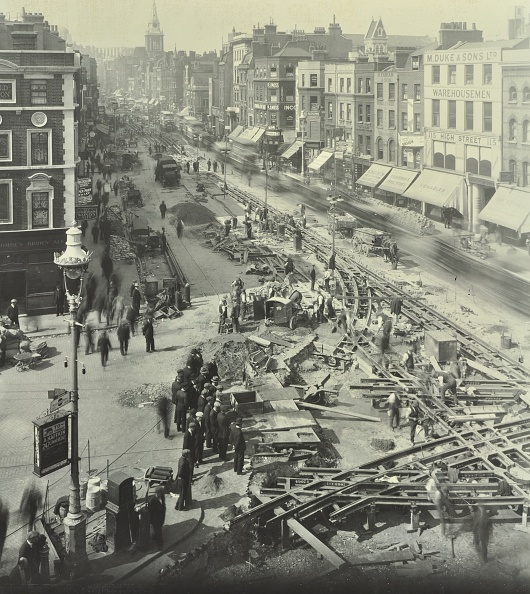 Greater London Council「Tramlines Being Laid, Whitechapel High Street, London, 1929」:写真・画像(18)[壁紙.com]