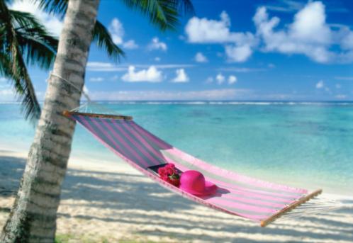 Hammock「Hat and book on hammock on tropical beach」:スマホ壁紙(1)