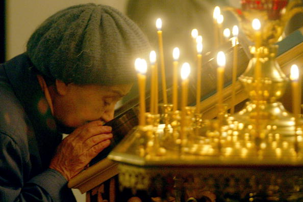 Church「Orthodox Christians Attend Church In Donetsk」:写真・画像(11)[壁紙.com]