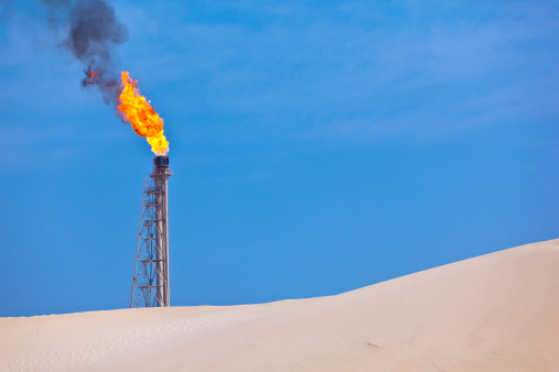 Flame「flare stack oil industry」:スマホ壁紙(2)