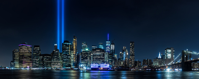 Wooden Post「9/11 Tribute in Light」:スマホ壁紙(3)