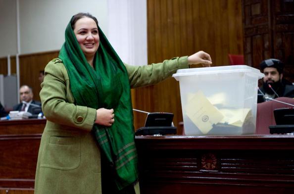 Kabul「Afghan Parliment Vote On Cabinet」:写真・画像(3)[壁紙.com]