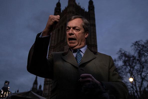 上半身「British Government Delays The Meaningful Vote On Brexit」:写真・画像(0)[壁紙.com]