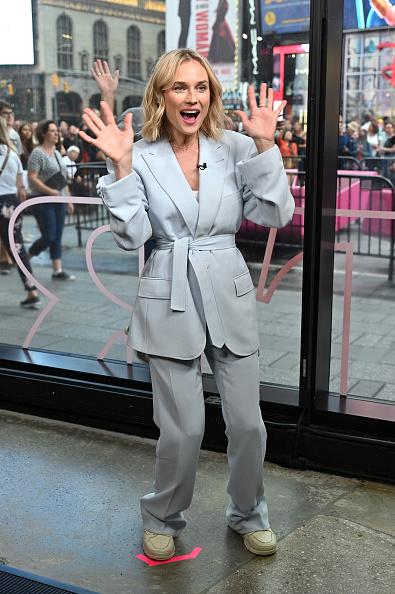 """Blue「Diane Kruger Visits """"Extra""""」:写真・画像(15)[壁紙.com]"""
