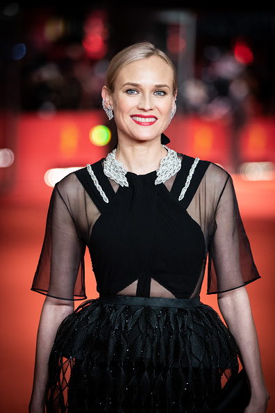 "Round Neckline「""The Operative"" Premiere - 69th Berlinale International Film Festival」:写真・画像(8)[壁紙.com]"