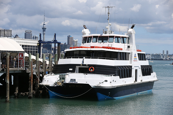 Moored「Ferry Crashes In To Devonport Wharf In Auckland」:写真・画像(18)[壁紙.com]