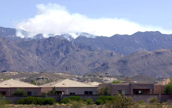 Norma Jean Gargasz「Wildfire Burns 250 Homes in Southern Arizona 」:写真・画像(5)[壁紙.com]