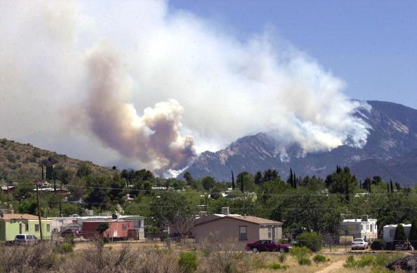 Norma Jean Gargasz「Wildfire In Arizona Burns Homes」:写真・画像(15)[壁紙.com]
