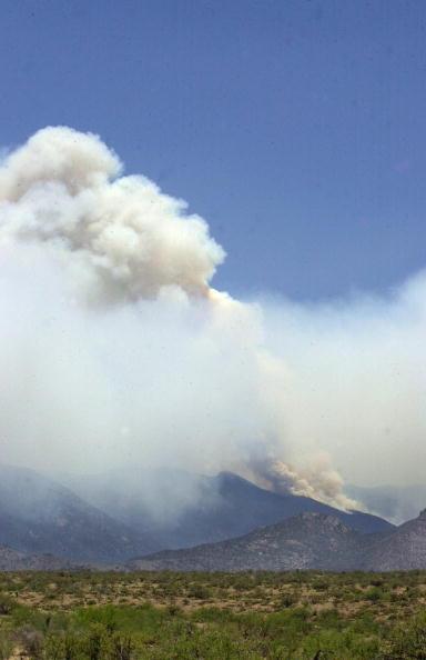 Norma Jean Gargasz「Wildfire In Arizona Burns Homes」:写真・画像(16)[壁紙.com]