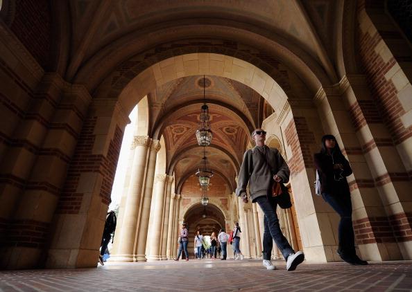 Campus「New Report: Half Of Recent College Graduates Under- Or Unemployed」:写真・画像(1)[壁紙.com]