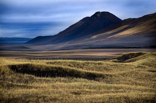 North Iceland「Volcanic Landscape」:スマホ壁紙(10)