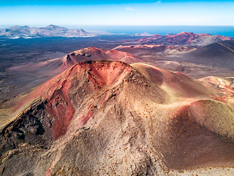 Caldera「Volcanic landscape, Timanfaya National Park, Lanzarote, Canary Islands」:スマホ壁紙(3)
