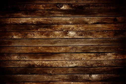 露出オーバー「自然なダメージ加工の木」:スマホ壁紙(2)