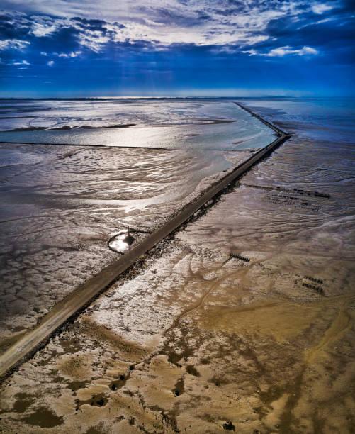 Le Passage du Gois road, Ile de Noirmoutier, France:スマホ壁紙(壁紙.com)