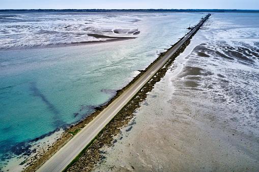 Nouvelle-Aquitaine「Le Passage du Gois road, Ile de Noirmoutier, France」:スマホ壁紙(1)