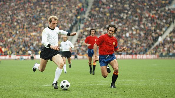 Spain「West Germany v Spain 1976 UEFA Euro Champs Quarter Final」:写真・画像(6)[壁紙.com]