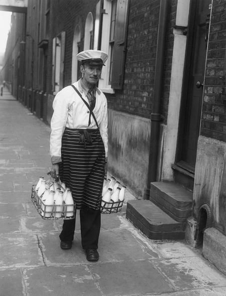 Monty Fresco「Delivering Milk」:写真・画像(14)[壁紙.com]