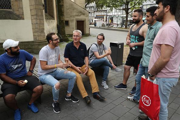 スイーツ「In Goslar, Refugees Have Become Part Of The Town Fabric」:写真・画像(14)[壁紙.com]
