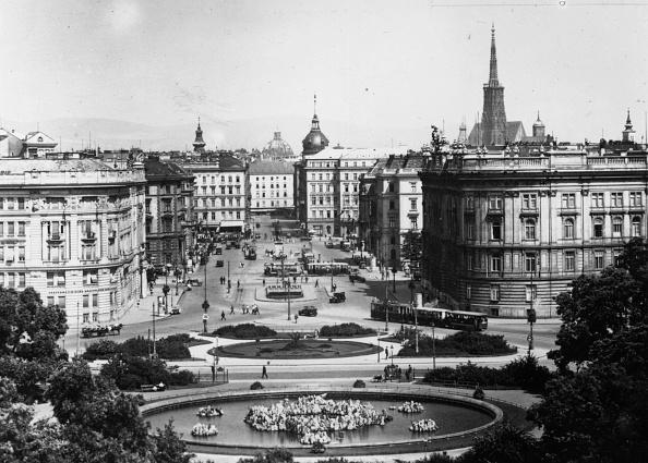 Ornamental Garden「Viennese Square」:写真・画像(11)[壁紙.com]
