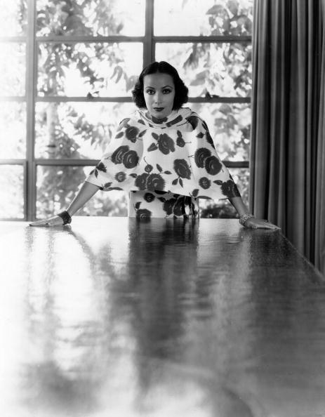 Leaning「Dolores Del Rio」:写真・画像(5)[壁紙.com]