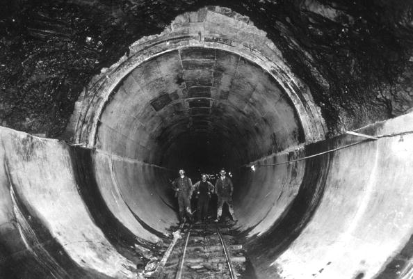 Business Finance and Industry「Water Tunnel」:写真・画像(13)[壁紙.com]
