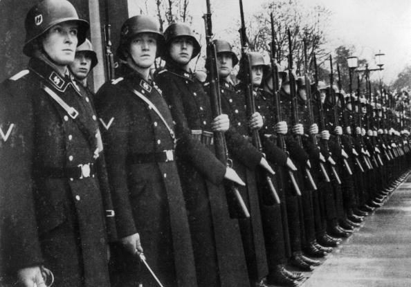 Military Uniform「Hitler's Bodyguard」:写真・画像(19)[壁紙.com]