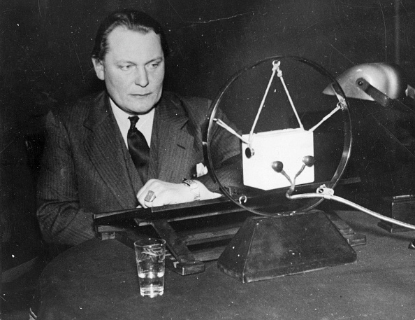 Glass - Material「Radio Goering」:写真・画像(11)[壁紙.com]
