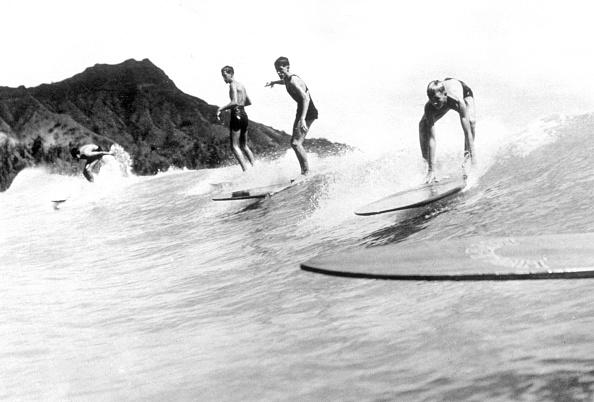 サーフィン「Surfing In Hawaii」:写真・画像(9)[壁紙.com]