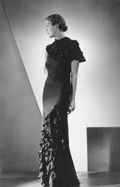 Evening Gown「Ruffled Dress」:写真・画像(7)[壁紙.com]
