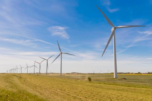 Wind Turbine「Germany, Schleswig-Holstein, View of wind turbine in fields」:スマホ壁紙(16)