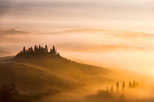 Rolling Landscape「Scenic Tuscany landscape at sunrise, Val d'Orcia, Italy」:スマホ壁紙(4)