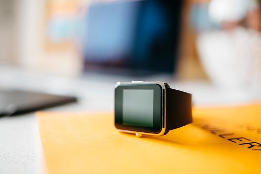Convenience「Smartwatch」:スマホ壁紙(19)