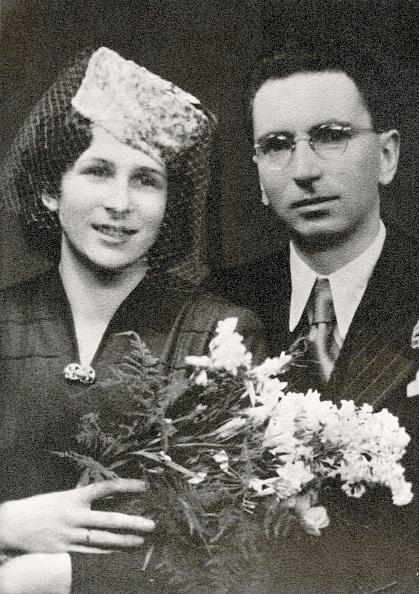 Photography「Weddingphoto of Viktor Frankl and Tilly Grosser, Photograph, 1941」:写真・画像(19)[壁紙.com]
