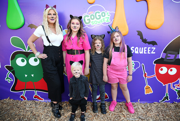Tori Spelling「GoGo squeeZ GoGoWeen Halloween Launch Event」:写真・画像(18)[壁紙.com]