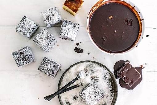 チョコレート「Chocolate lamingtons in the making」:スマホ壁紙(19)