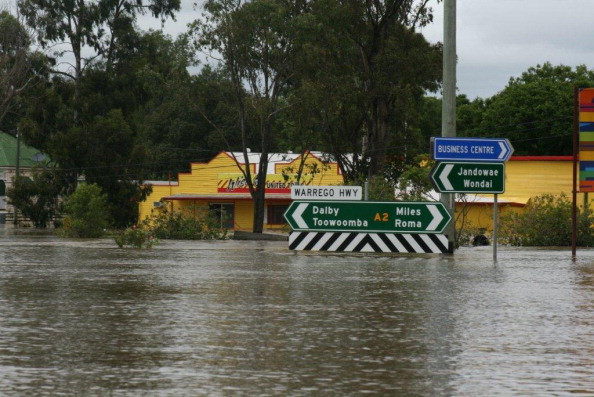 Chinchilla - Rodent「Death Toll Rises As Queensland Flood Disaster Continues」:写真・画像(17)[壁紙.com]
