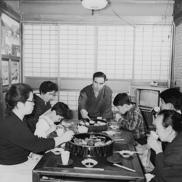 Showa Period「Family Meal」:写真・画像(10)[壁紙.com]