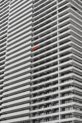 Unrecognizable Person「Germany, Travemuende, seaside hotel with one red blind」:スマホ壁紙(7)
