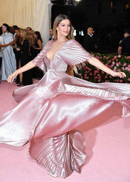 Gisele Bundchen「The 2019 Met Gala Celebrating Camp: Notes on Fashion - Arrivals」:写真・画像(19)[壁紙.com]