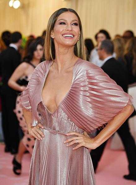 Gisele Bundchen「The 2019 Met Gala Celebrating Camp: Notes on Fashion - Arrivals」:写真・画像(5)[壁紙.com]
