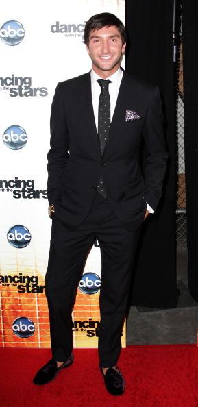 "Evan Lysacek「Premiere Of ""Dancing With The Stars"" Season 11 - Arrivals」:写真・画像(10)[壁紙.com]"