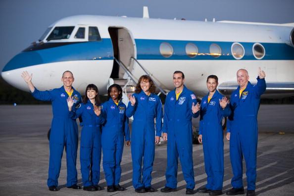 Japan Aerospace Exploration Agency「Space Shuttle Astronauts Arrive At KSC Ahead Of Shuttle Launch」:写真・画像(7)[壁紙.com]