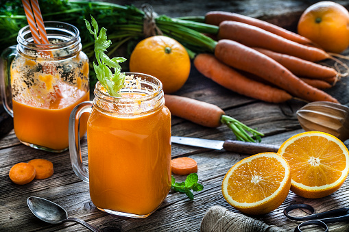 Carrot Juice「Healthy drink: orange and carrot juice on rustic wooden table」:スマホ壁紙(16)
