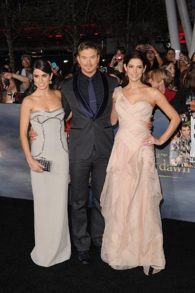 "Film Premiere「Premiere Of  Summit Entertainment's ""The Twilight Saga: Breaking Dawn - Part 2"" - Arrivals」:写真・画像(0)[壁紙.com]"