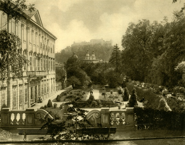 Hohensalzburg Fortress「The Mirabell Palace And Gardens」:写真・画像(2)[壁紙.com]