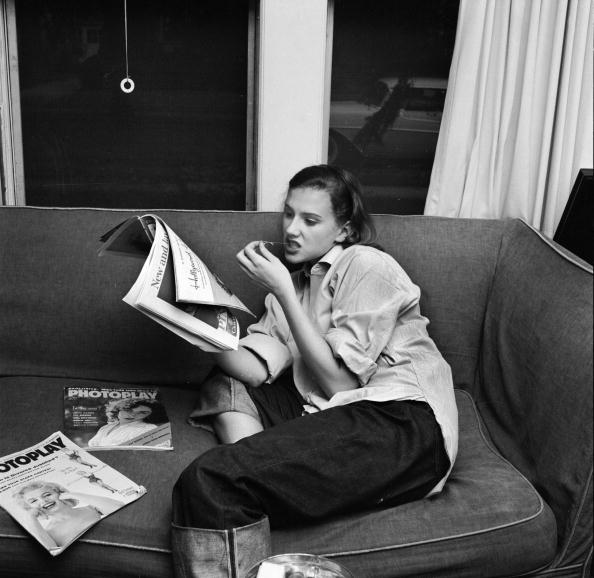 Sofa「Relaxing Teenager」:写真・画像(9)[壁紙.com]